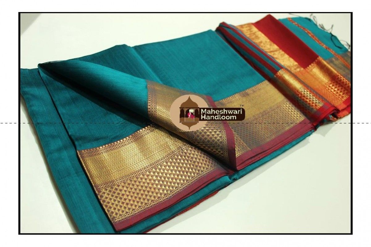 Maheshwari Rama Green Jari Diamond Chatai Border Saree