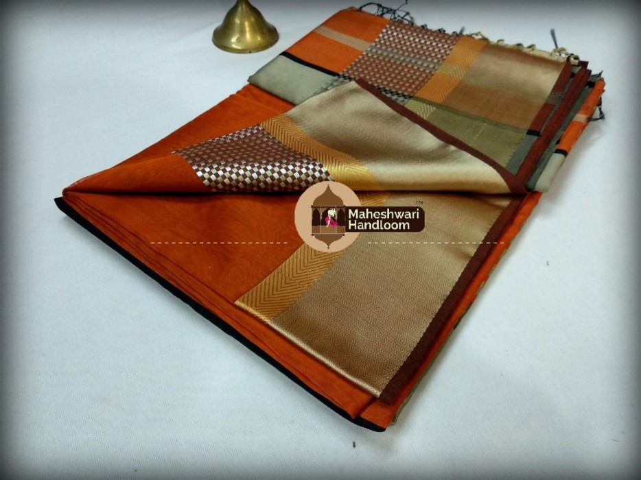 Maheshwari Orange Shatranj Border Saree