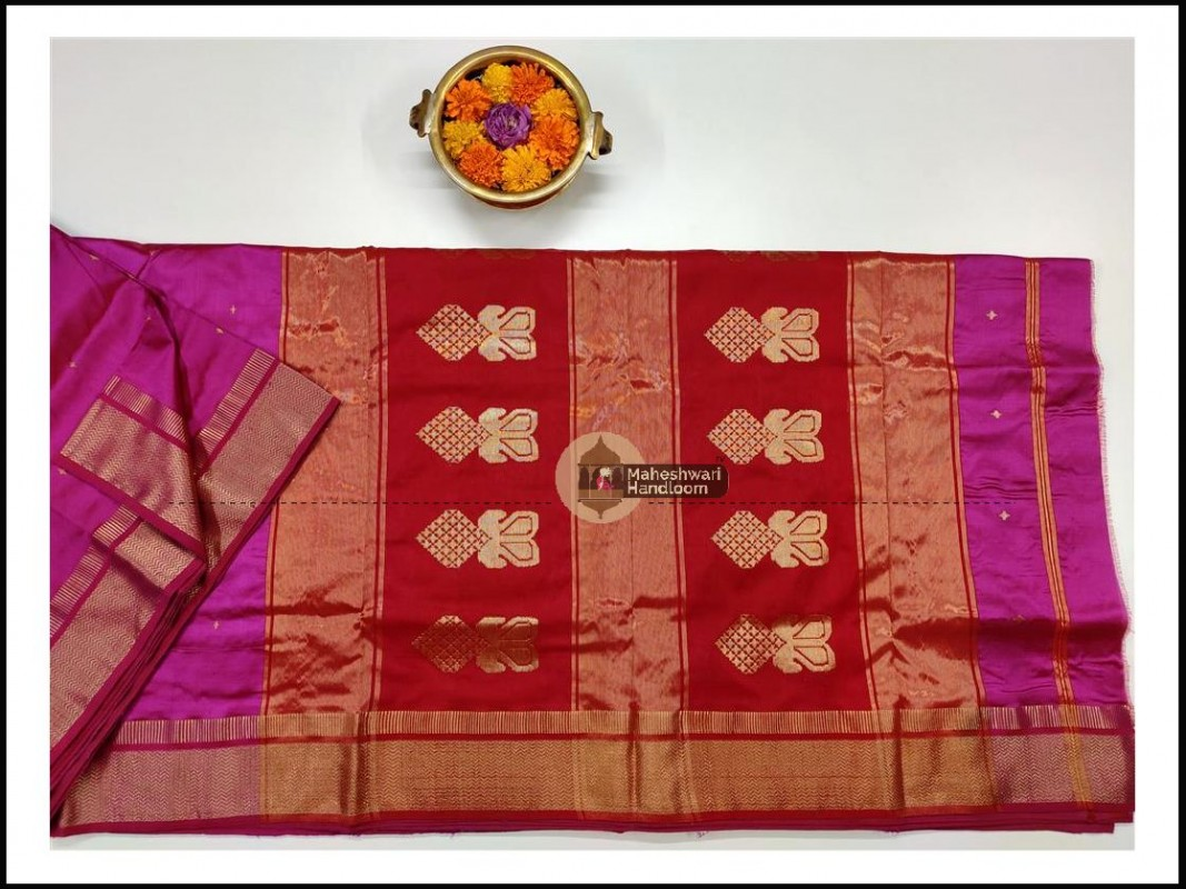 Maheshwari Magenta Pure Silk Saree With Buta Buti Weaving