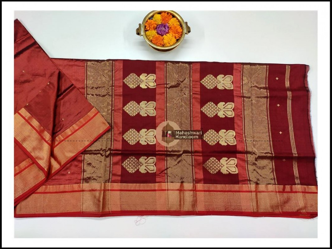 Maheshwari Peach Red Pure Silk Saree With Buta Buti Weaving