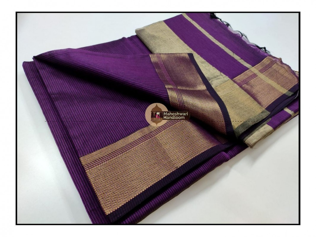Maheshwari Magenta Checks Fabric Saree