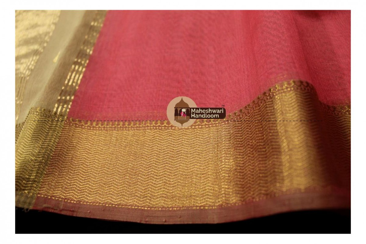 Maheshwari Carrot Red Tringle Buti Weaving saree