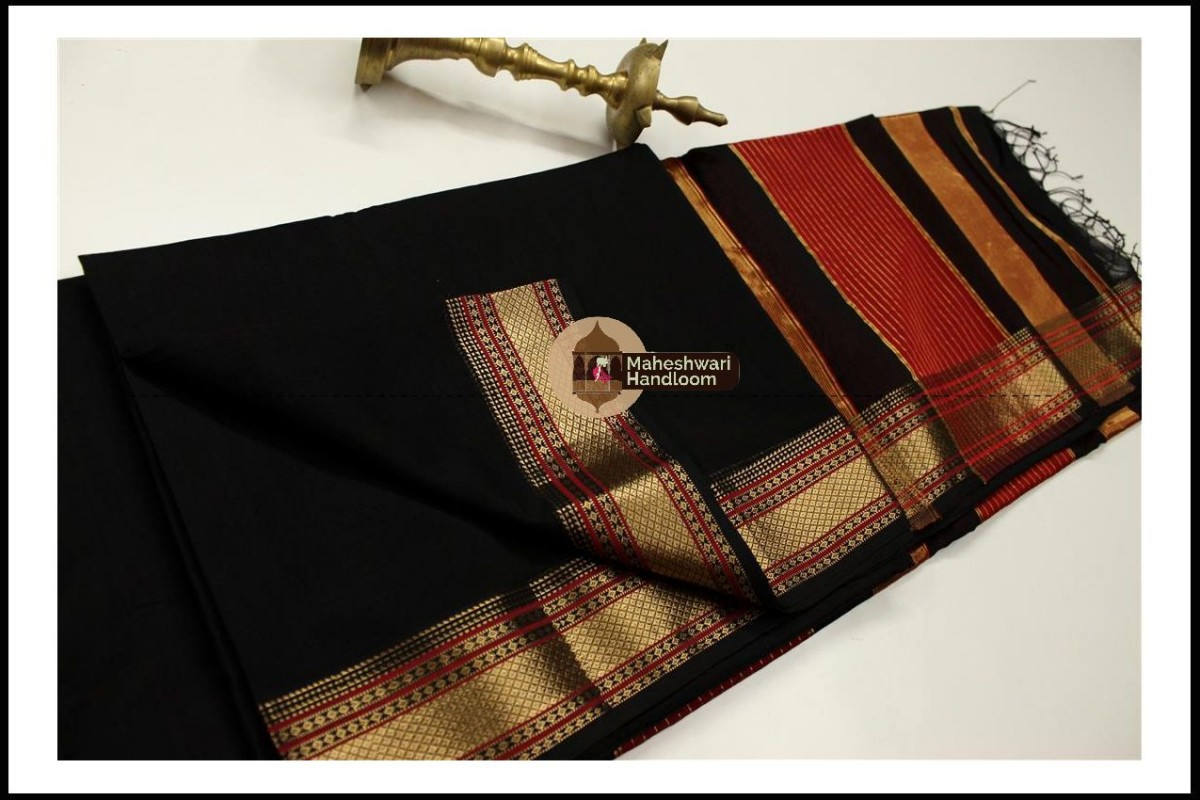Maheshwari Black Jari Hansa Border Saree