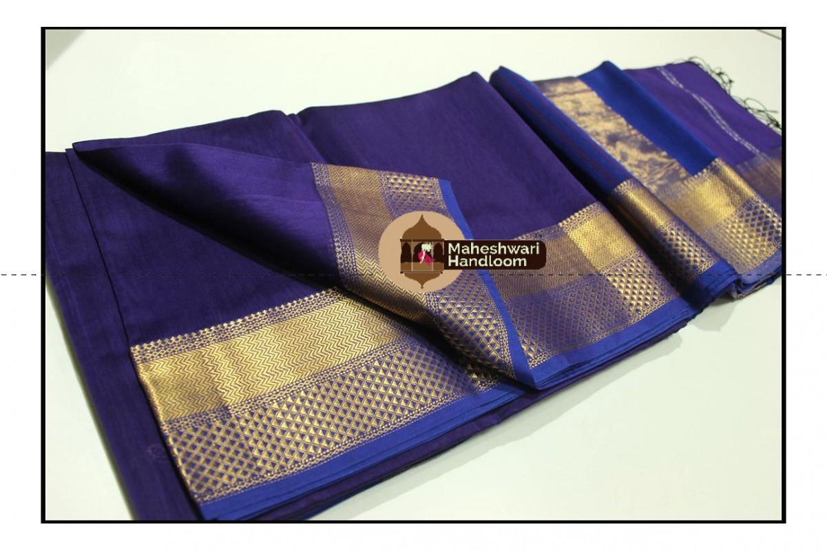 Maheshwari Blue Jari Diamond Chatai Border Saree