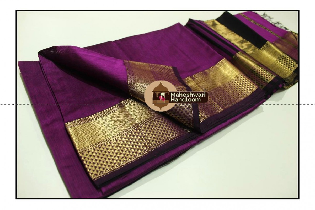 Maheshwari Magenta Jari Diamond Chatai Border Saree