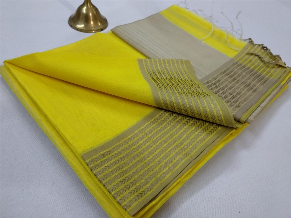 Maheshwari Light Yellow Resham 9v Border saree
