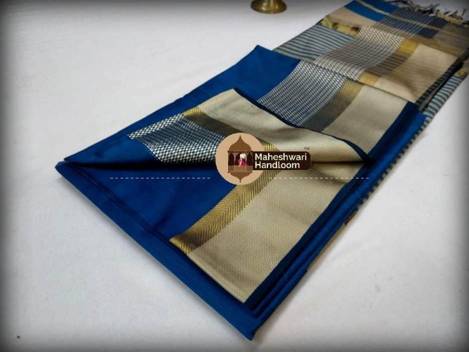 Maheshwari Firozi Blue Shatranj  Border Saree