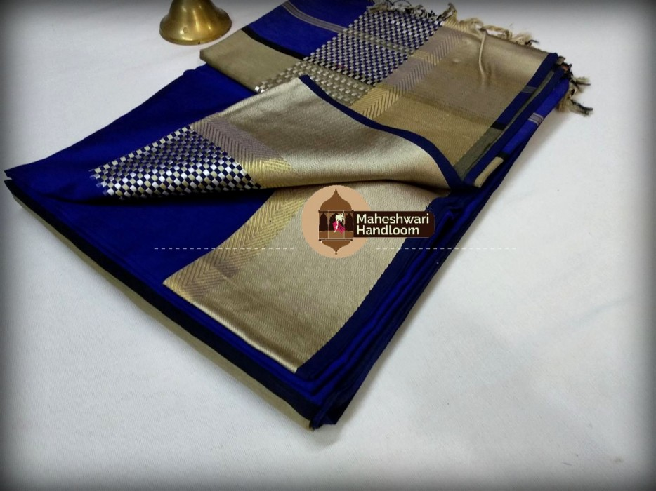 Mahehswari Blue Shatranj Border Saree