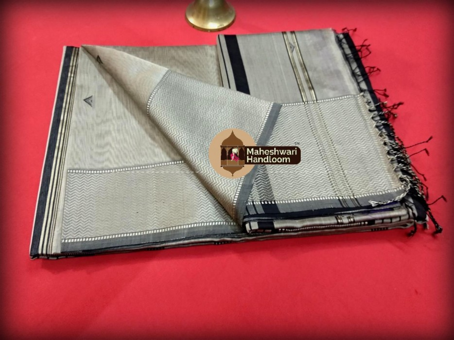 Maheshwari  Silver Grey Resham Buti- Motifs Saree