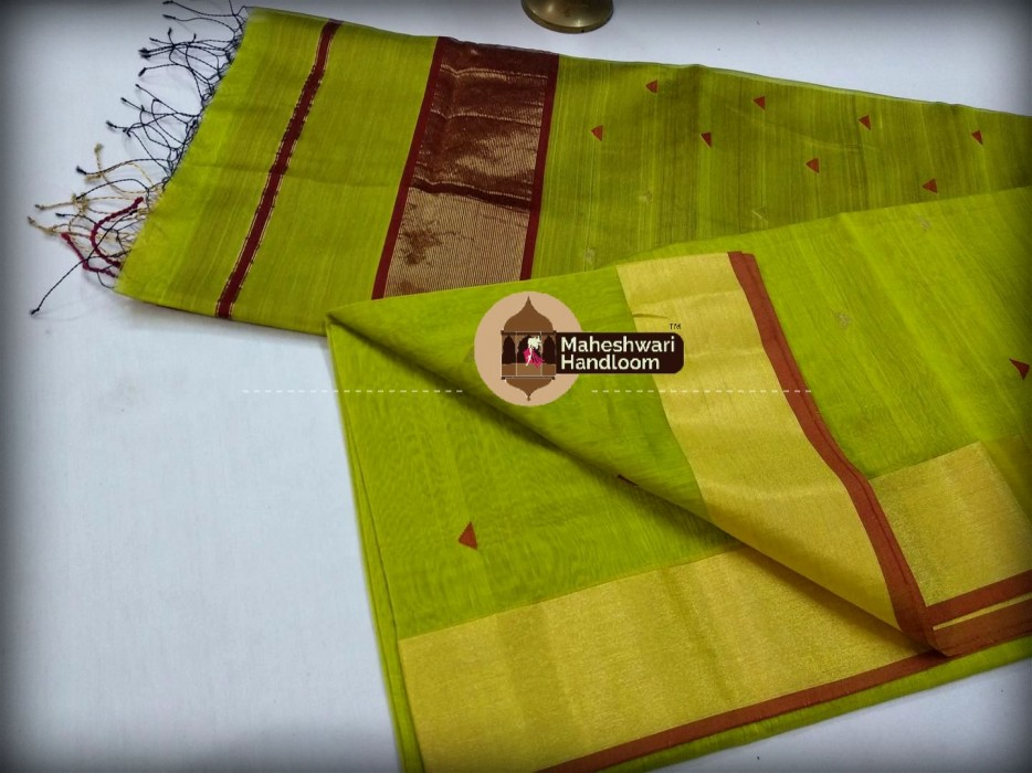 Maheshwari Green Triangle Buti - Motifs Saree