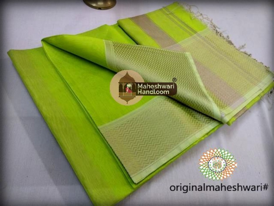 Maheshwari  Light Green Resham skirt Border saree