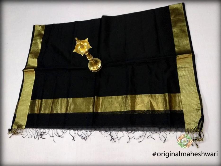 Maheshwari Black Dupatta