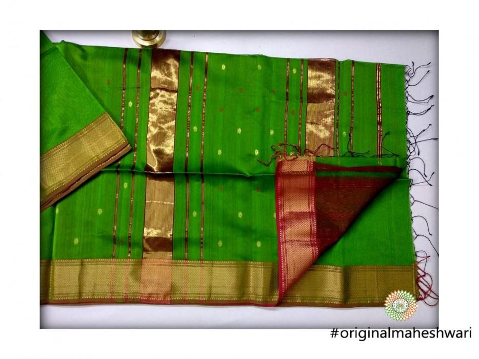 Maheshwari Verse Green Triangle Buti - Motifs Saree