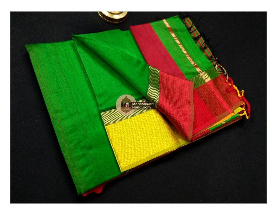 Maheshwari Dark Green Ganga Jamuna saree