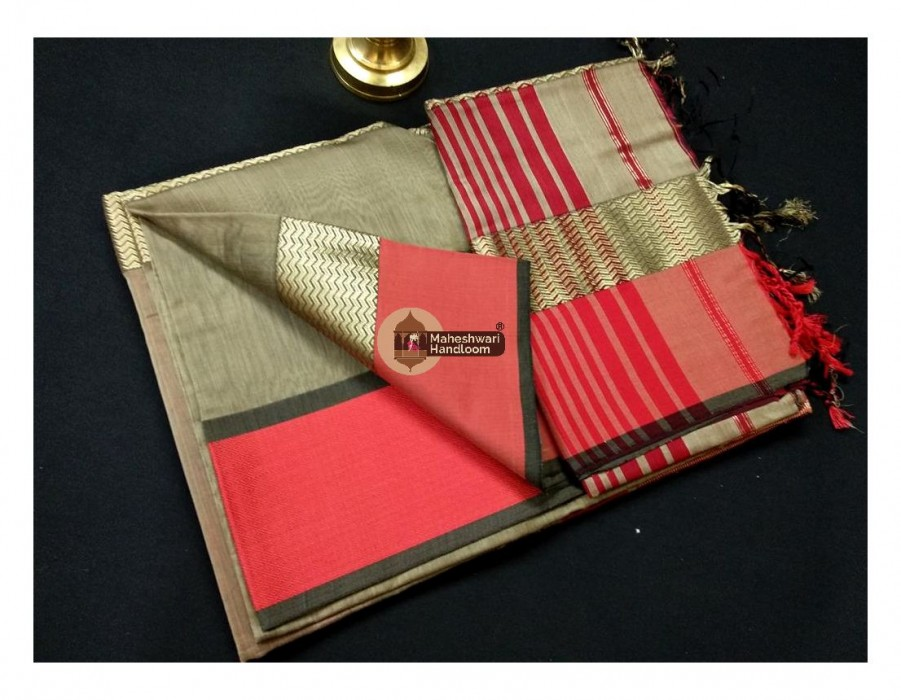 Maheshwari Tussar Water Wave Jari Border Saree