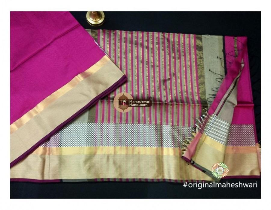 Maheshwari Pink Shatranj Border saree