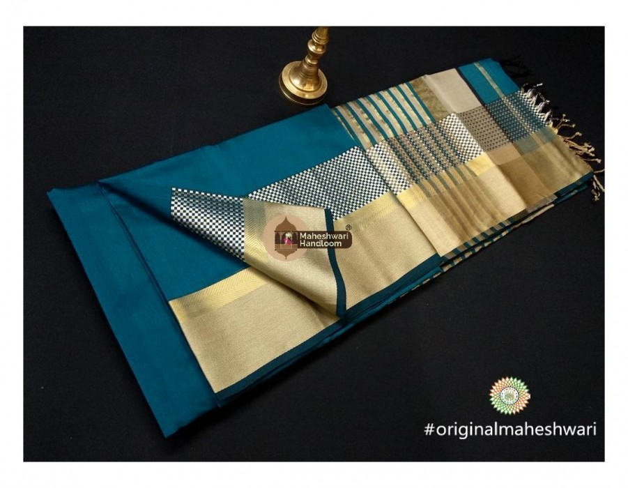 Maheshwari Rama Green Shatranj Border saree