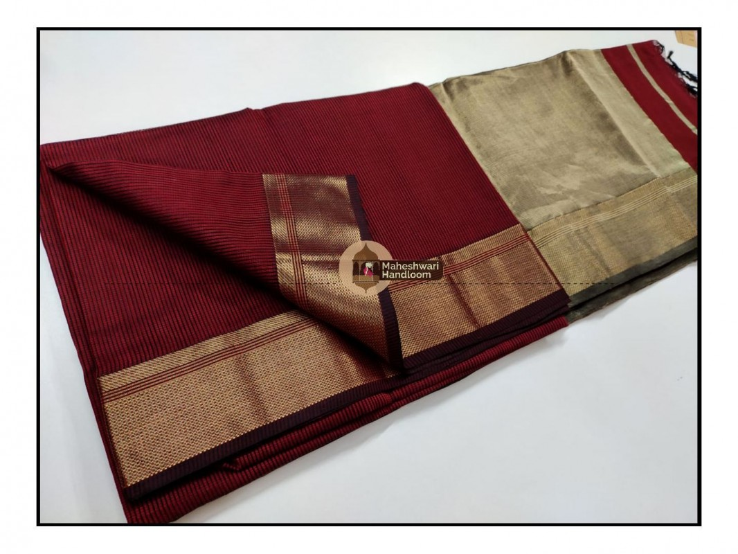 Maheshwari Red Checks Fabric Saree