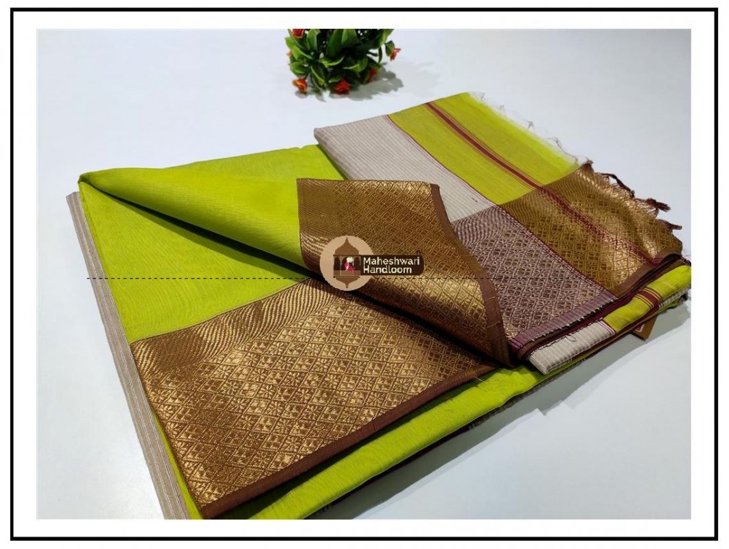 Maheshwari Green Zari Flower Border Saree