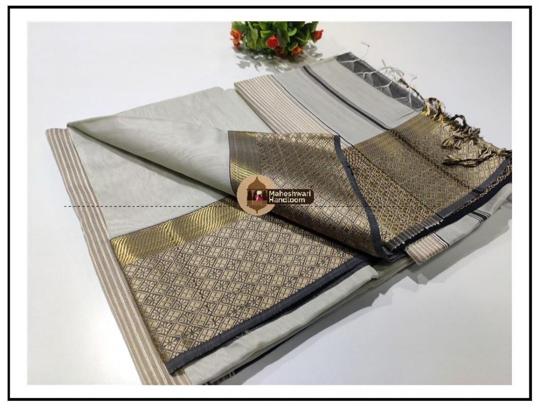 Maheshwari White Resham Flower Border saree