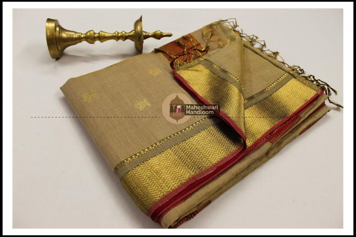 Maheshwari Grey Tissue Buti Pallu Weaving Saree