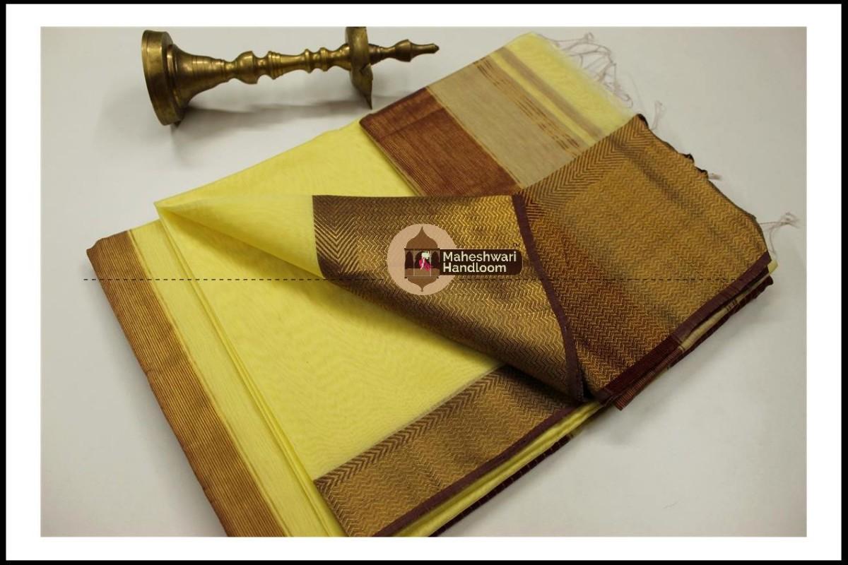 Maheshwari Peach Yellow Jari skirt Border saree