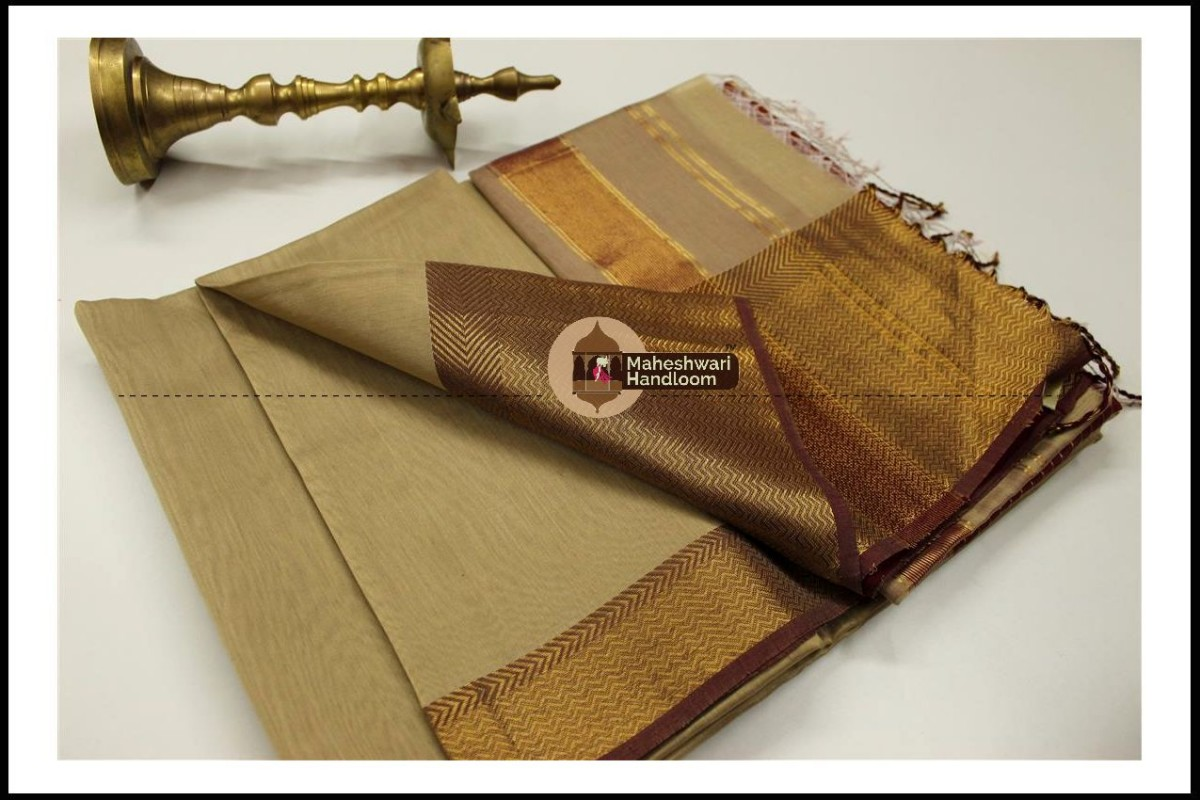 Maheshwari Grey Jari skirt Border saree